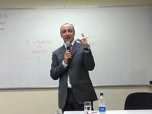 Miguel Carbonell na Escola Judicial