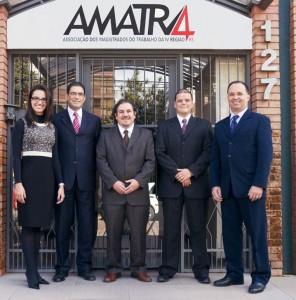 Nova executiva da AMATRA IV